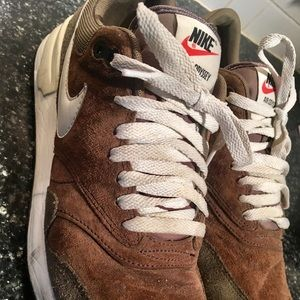 NIKE Air Odyssey brown suede athletic shoes